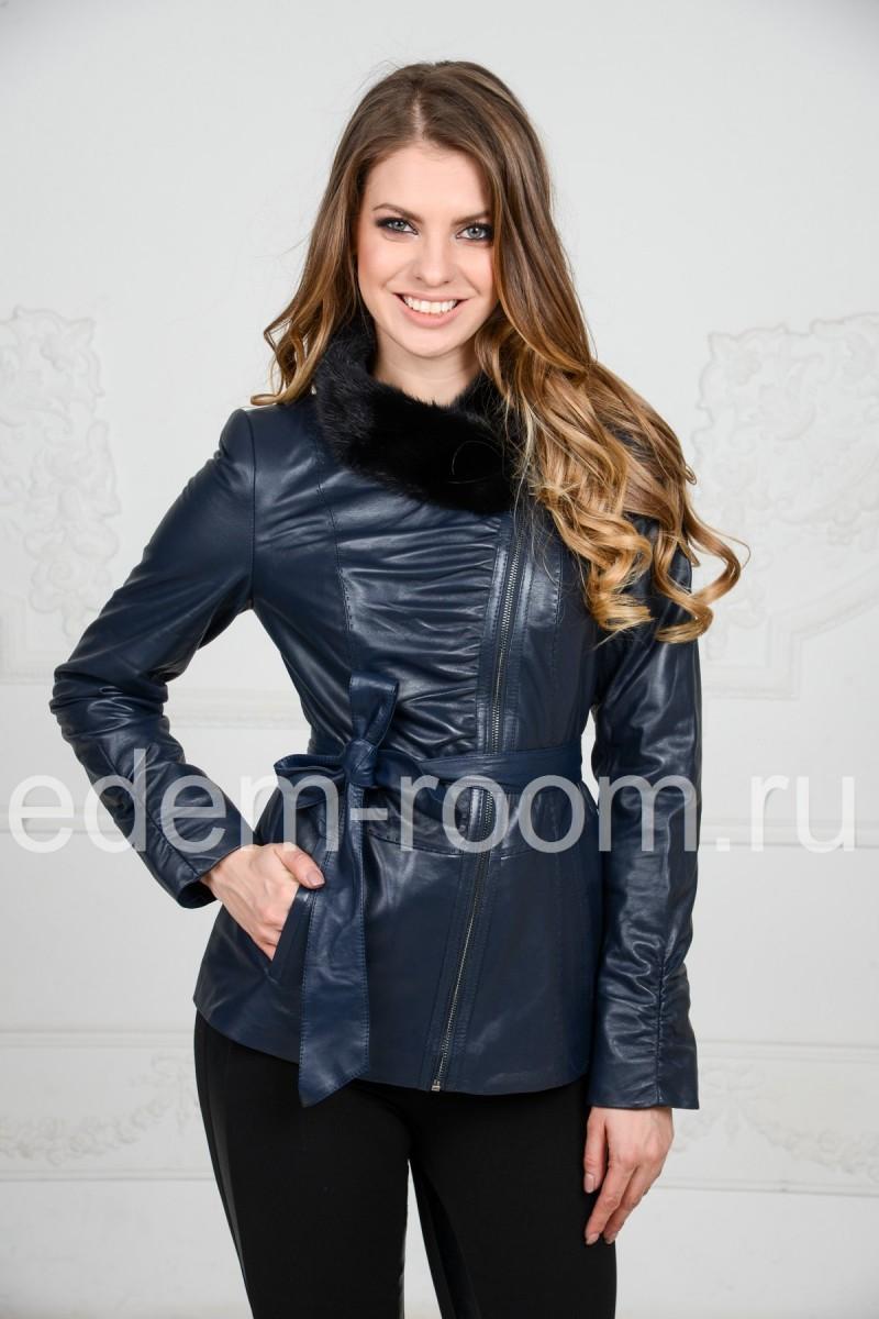 Синяя куртка с мехом норки