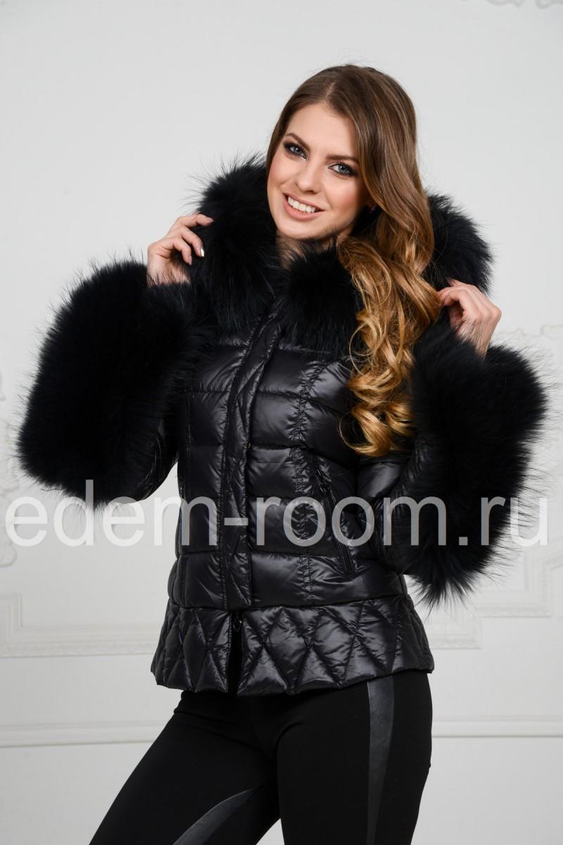 Пуховая куртка с мехом короткая