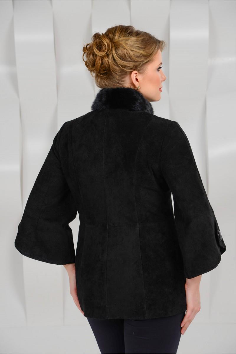 Красивая куртка из натуральной замши