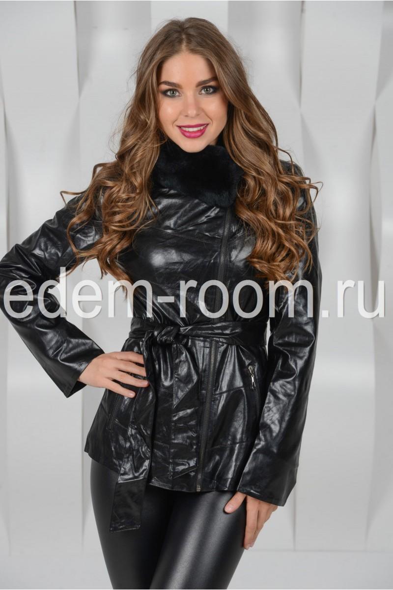 Чёрная куртка из экокожи