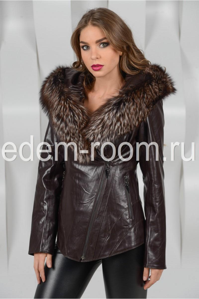Куртка из эко-кожи с меховым капюшоном