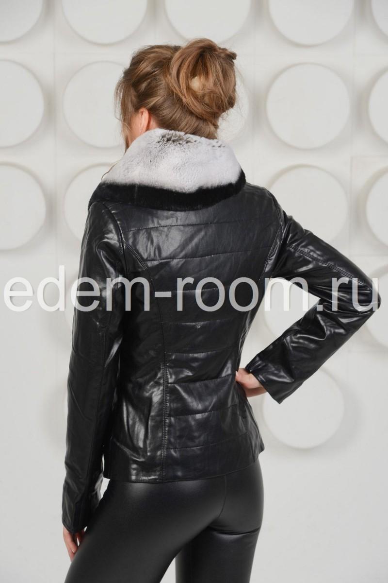 Куртка из экокожи с меховым воротником