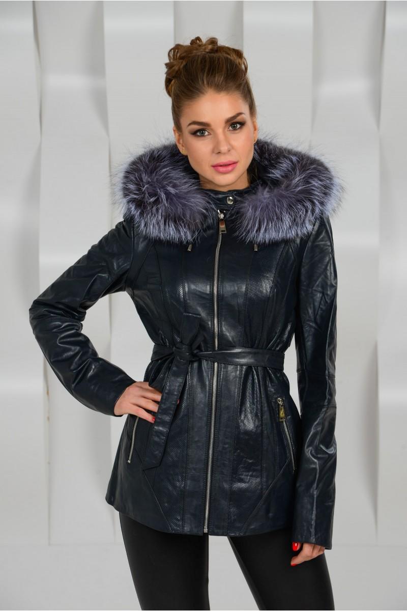 Удобная демисезонная кожаная куртка