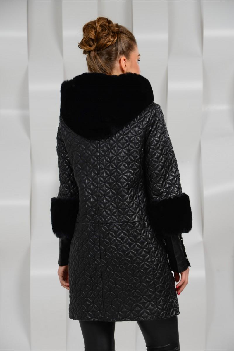 Модный кожаный плащ с капюшоном