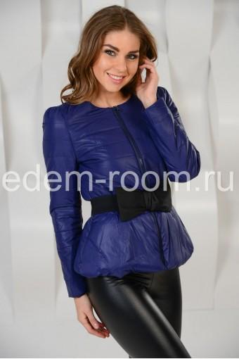 Стильная куртка с поясом