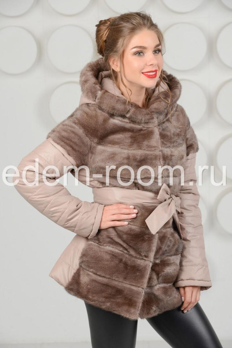 Зимняя куртка украшенная мехом норки