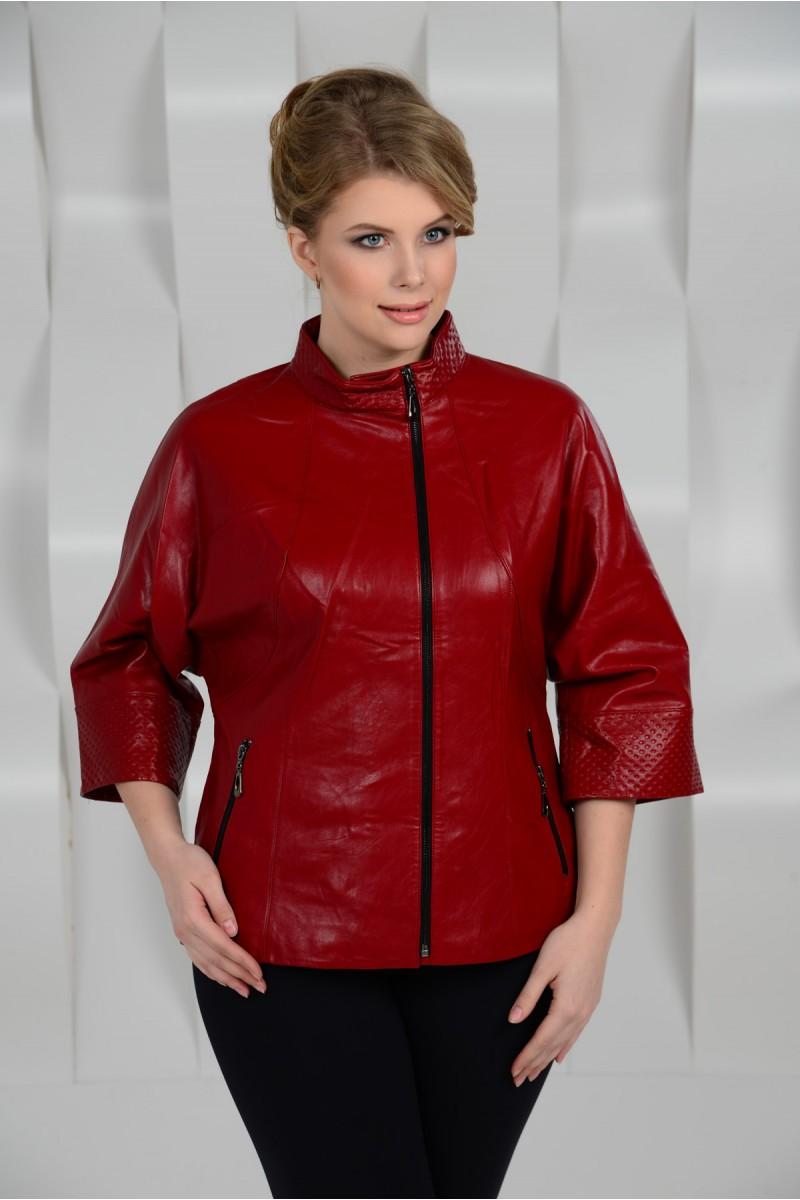 Красная куртка из эко-кожи на большие размеры