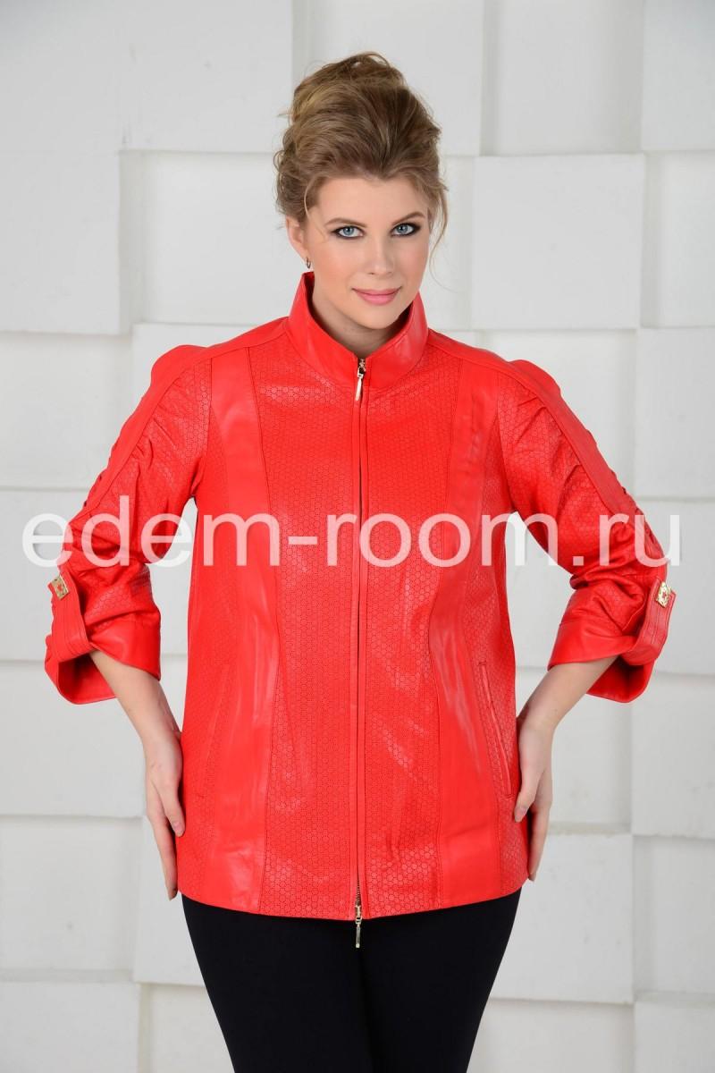 Модная женская куртка из кожи
