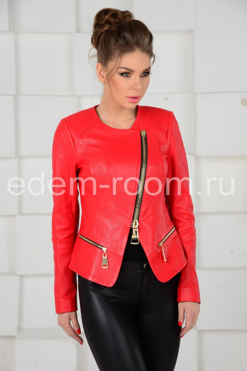 Красная куртка из натуральной кожи