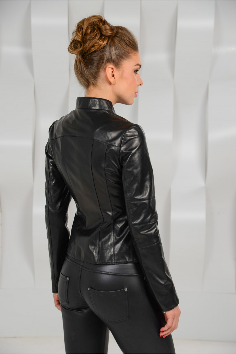 Стильная  куртка из кожи