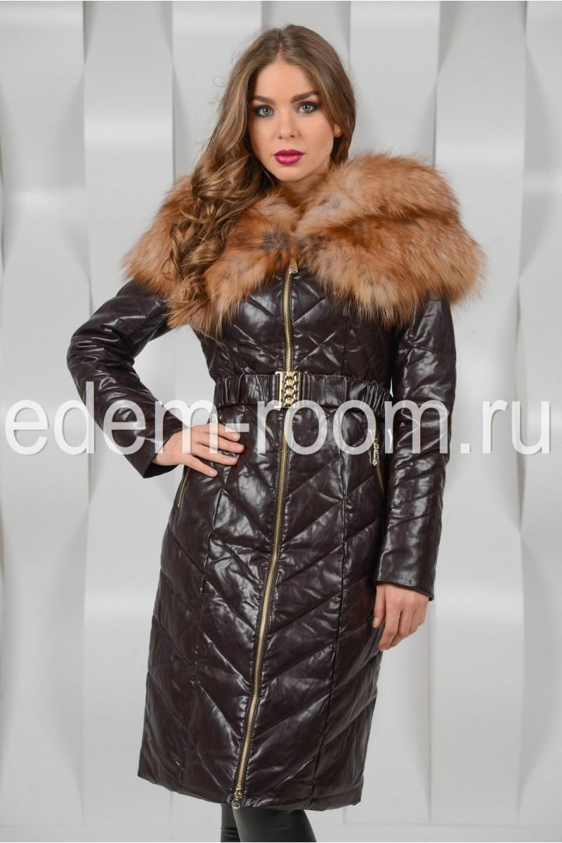 Коричневой пальто с мехом лисы