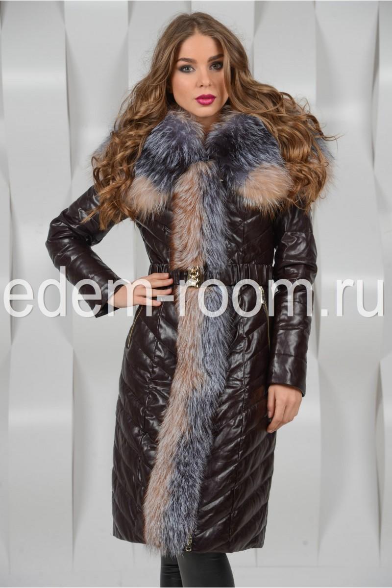 Пальто из экокожи украшенное мехом