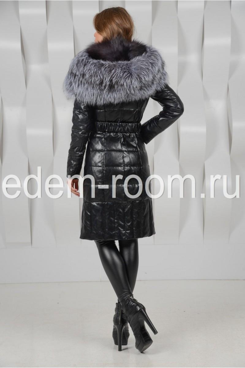 Пальто с шикарным меховым капюшоном