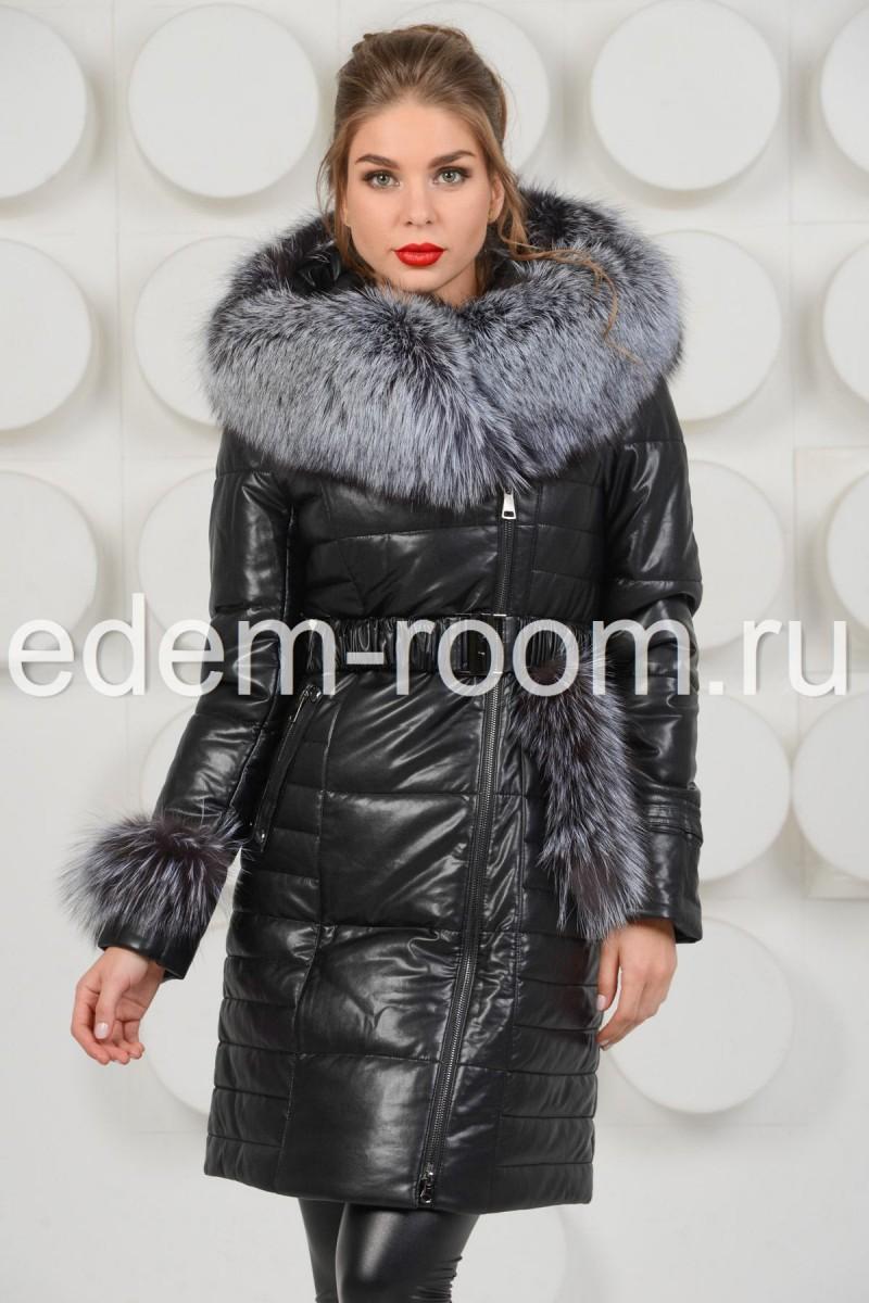 Пальто из чёрной экокожи