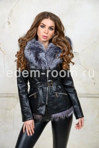 Куртка из эко-кожи с меховым капюшонм