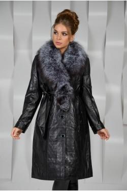 Зимнее кожаное пальто с меховым воротником