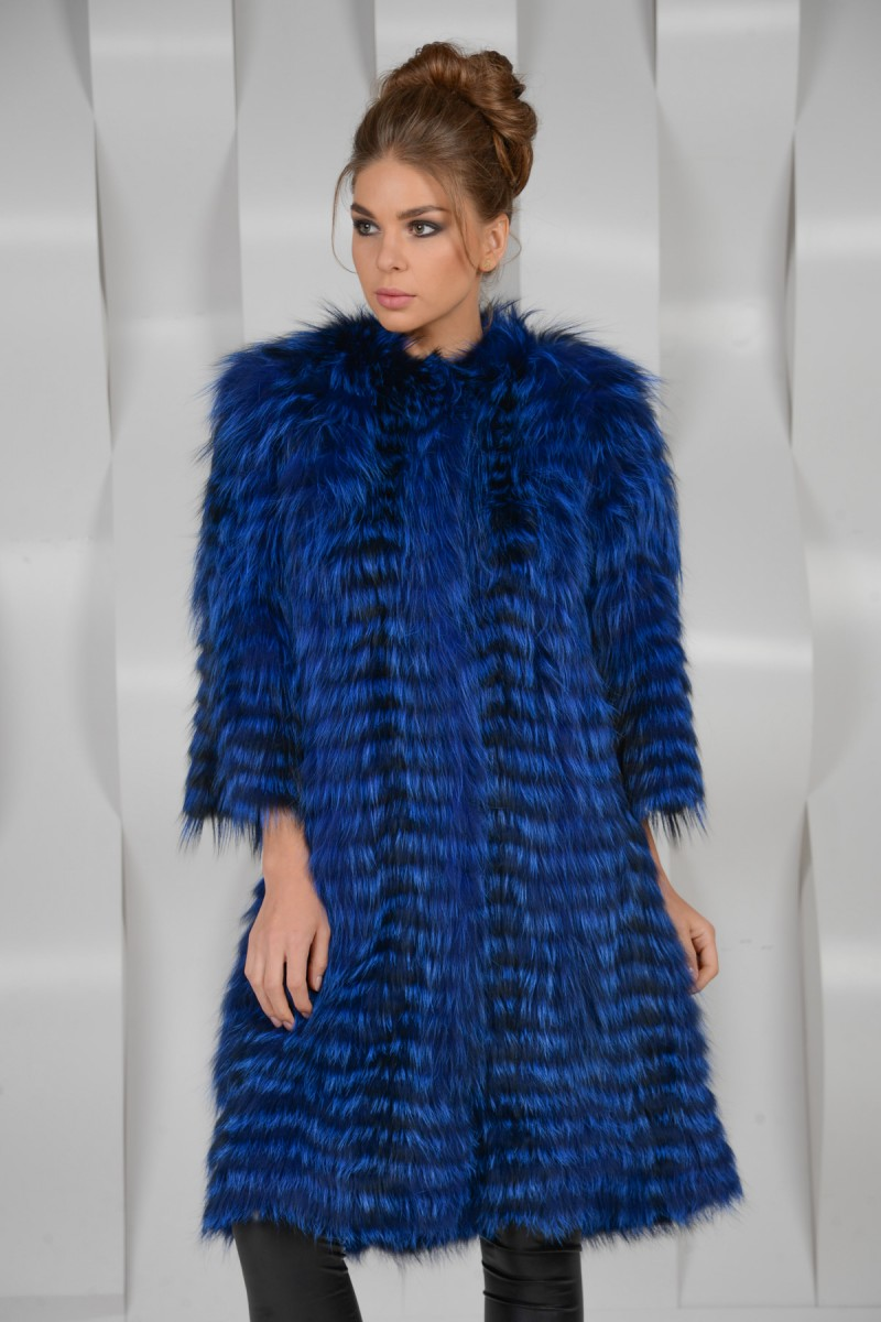 Синее пальто из чернобурки