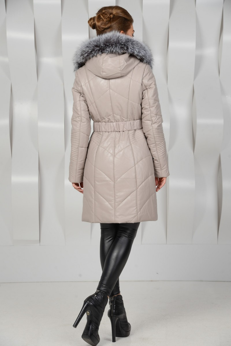 Белое пальто из экокожи