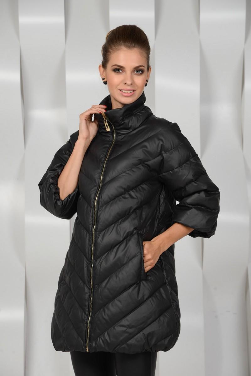 Чёрная утеплённая куртка