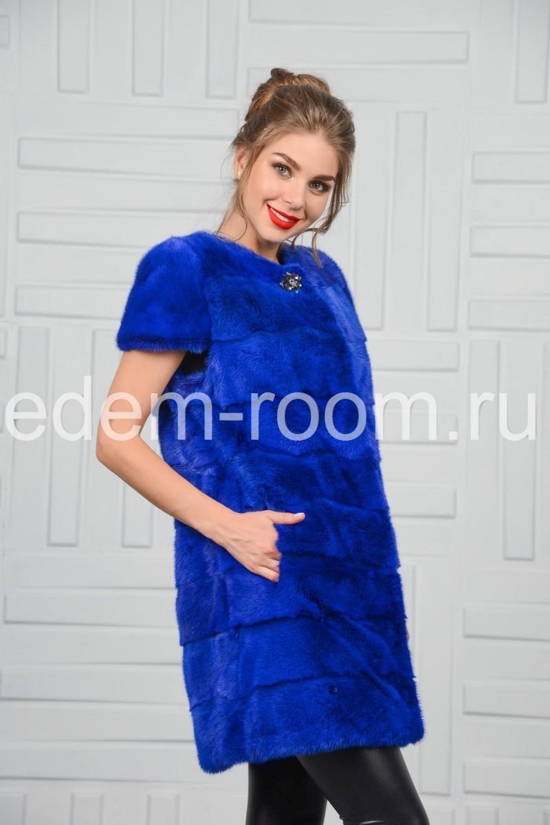 Ультрамодная синяя жилетка из норки