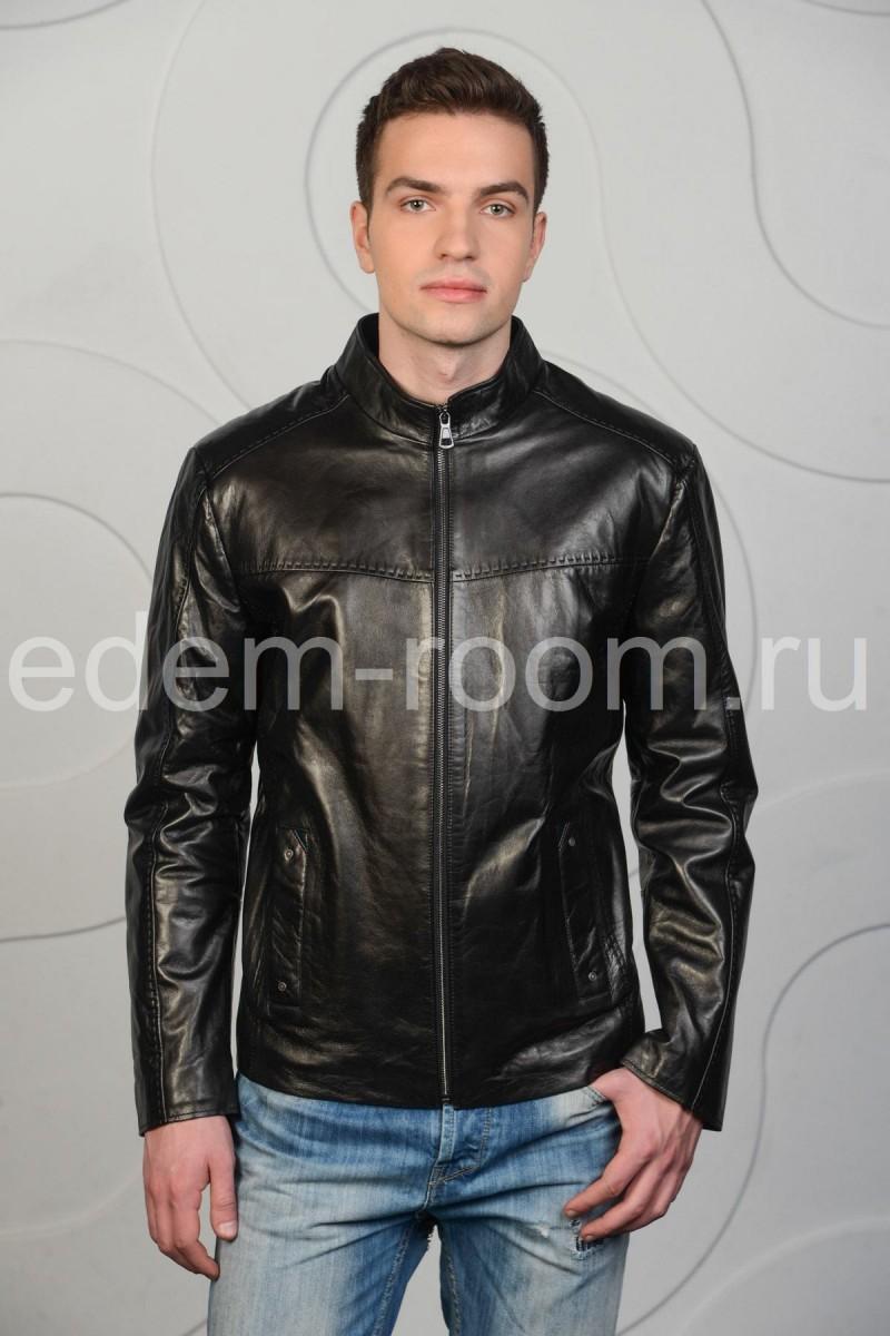 Чёрная кожаная куртка