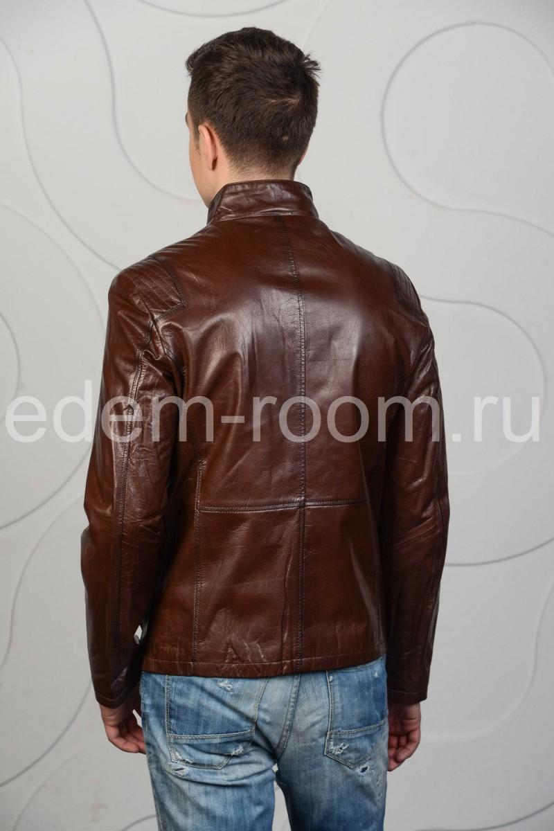 Коричневая куртка из кожи