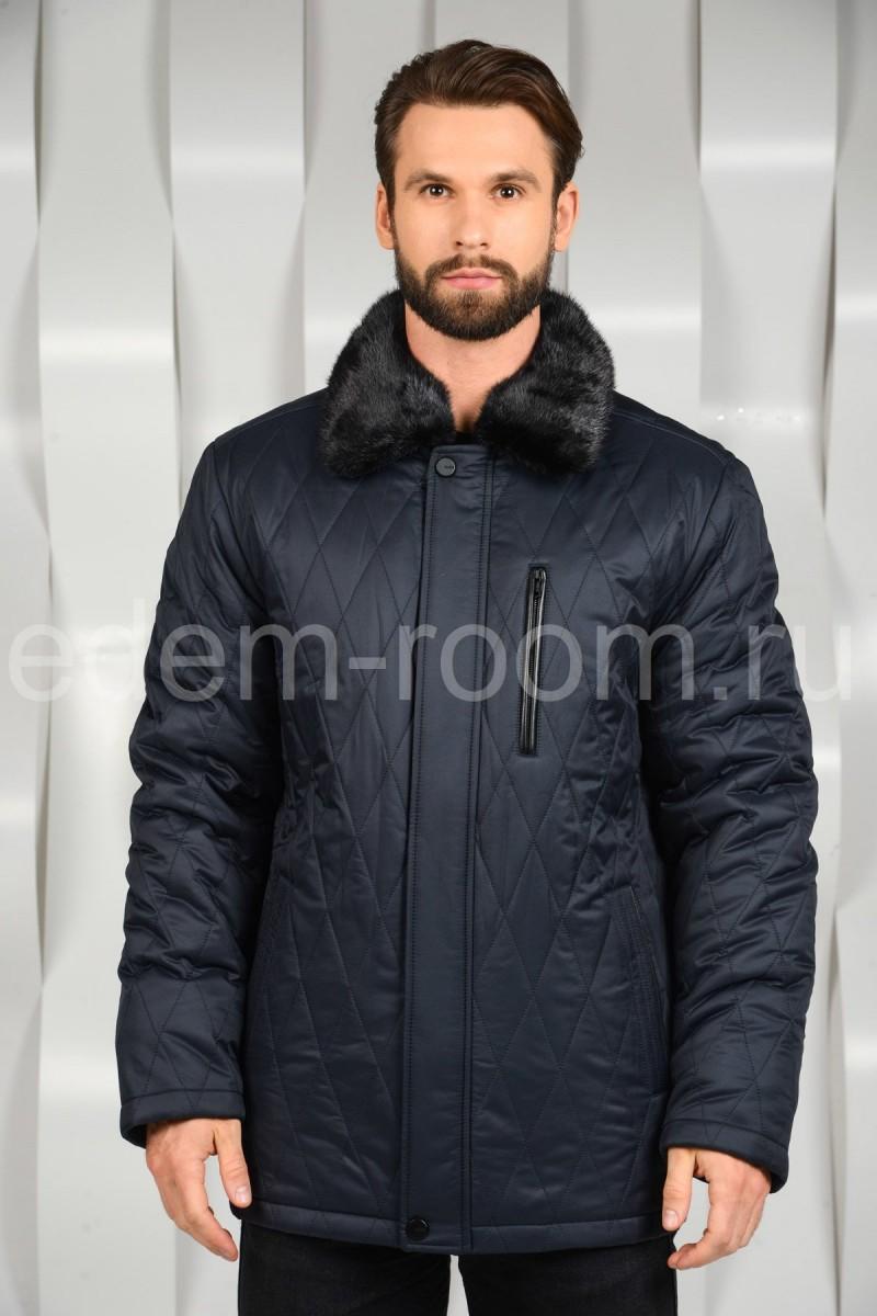 Зимняя куртка с меховым воротником