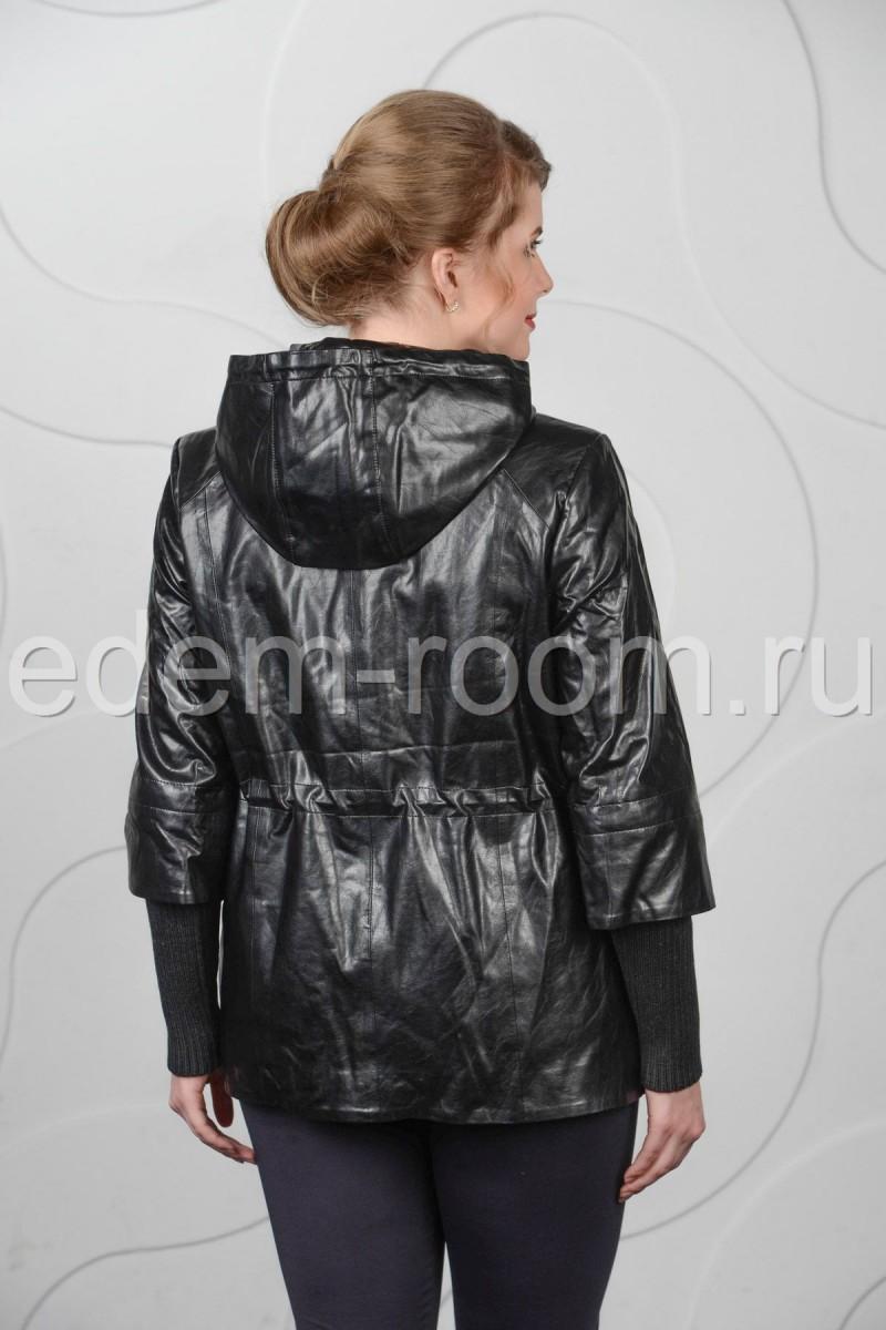 Чёрная куртка из искусственной кожи