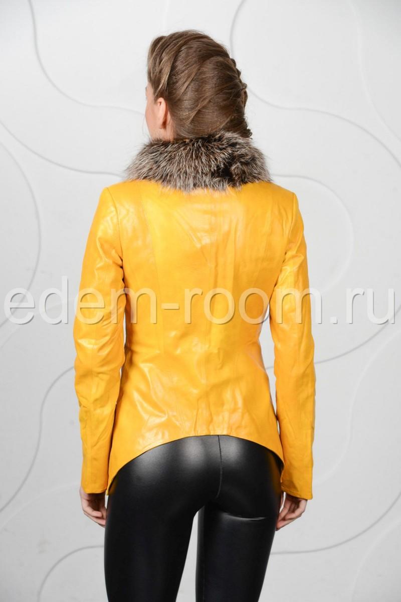 Жёлтая куртка из эко-кожи