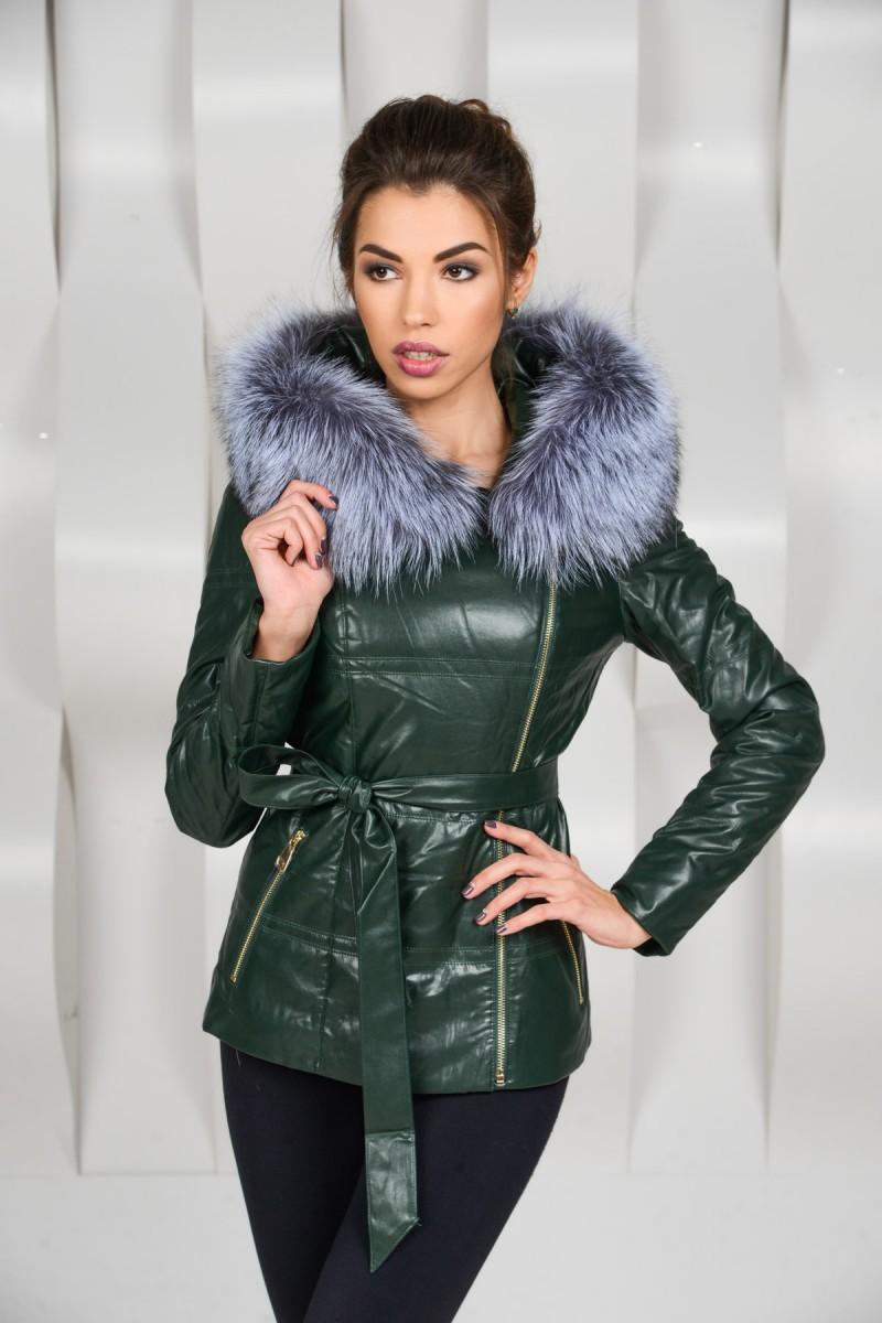 Зелёная куртка из экокожи