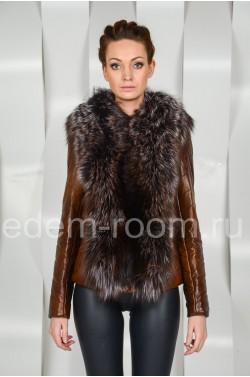 Коричневая куртка из эко-кожи