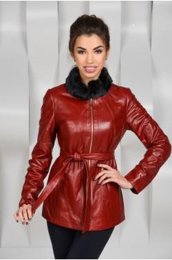 Красная демисезонная кожаная куртка