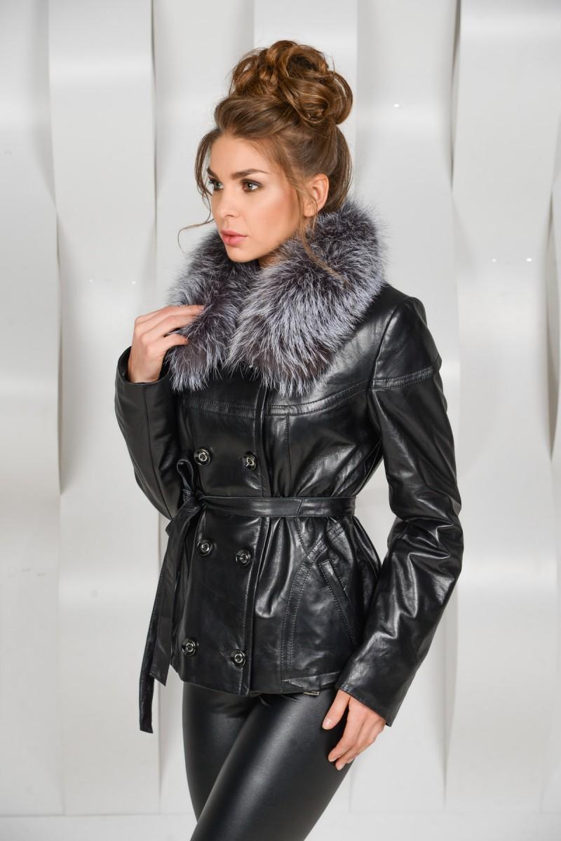 Осенне - весенняя чёрная кожаная куртка