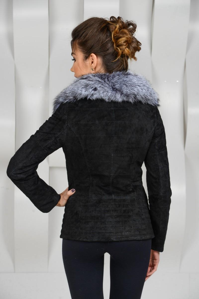 Демисезонная куртка из замши украшенная чернобуркой