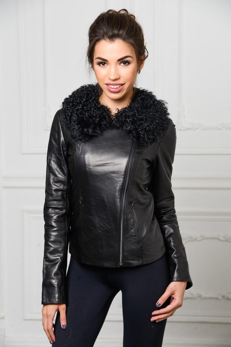 Молодёжная кожаная куртка с мехом барашка