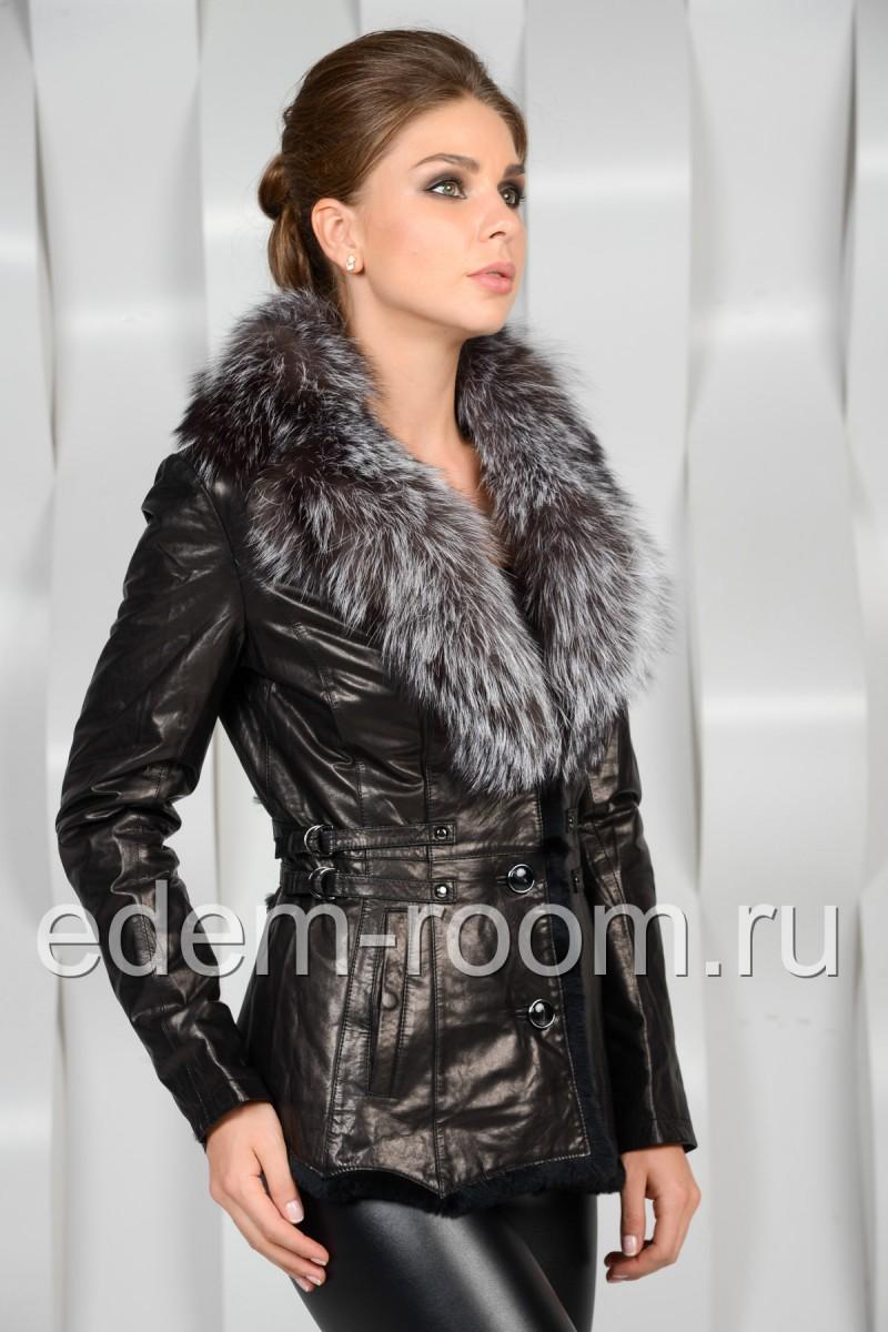 Кожаная куртка с меховым воротником