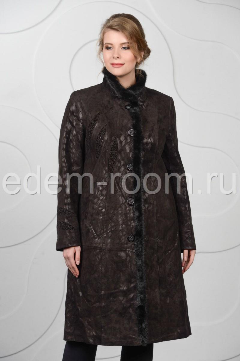 Пальто из кожи большого размера