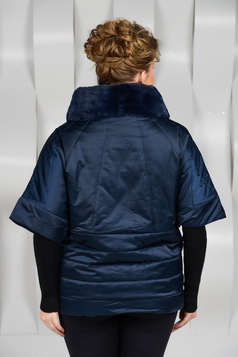 Женская куртка на межсезонье.