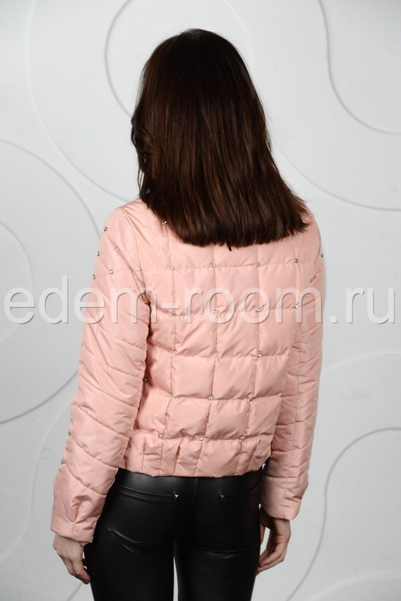Яркая весенне - осенняя куртка на женщину