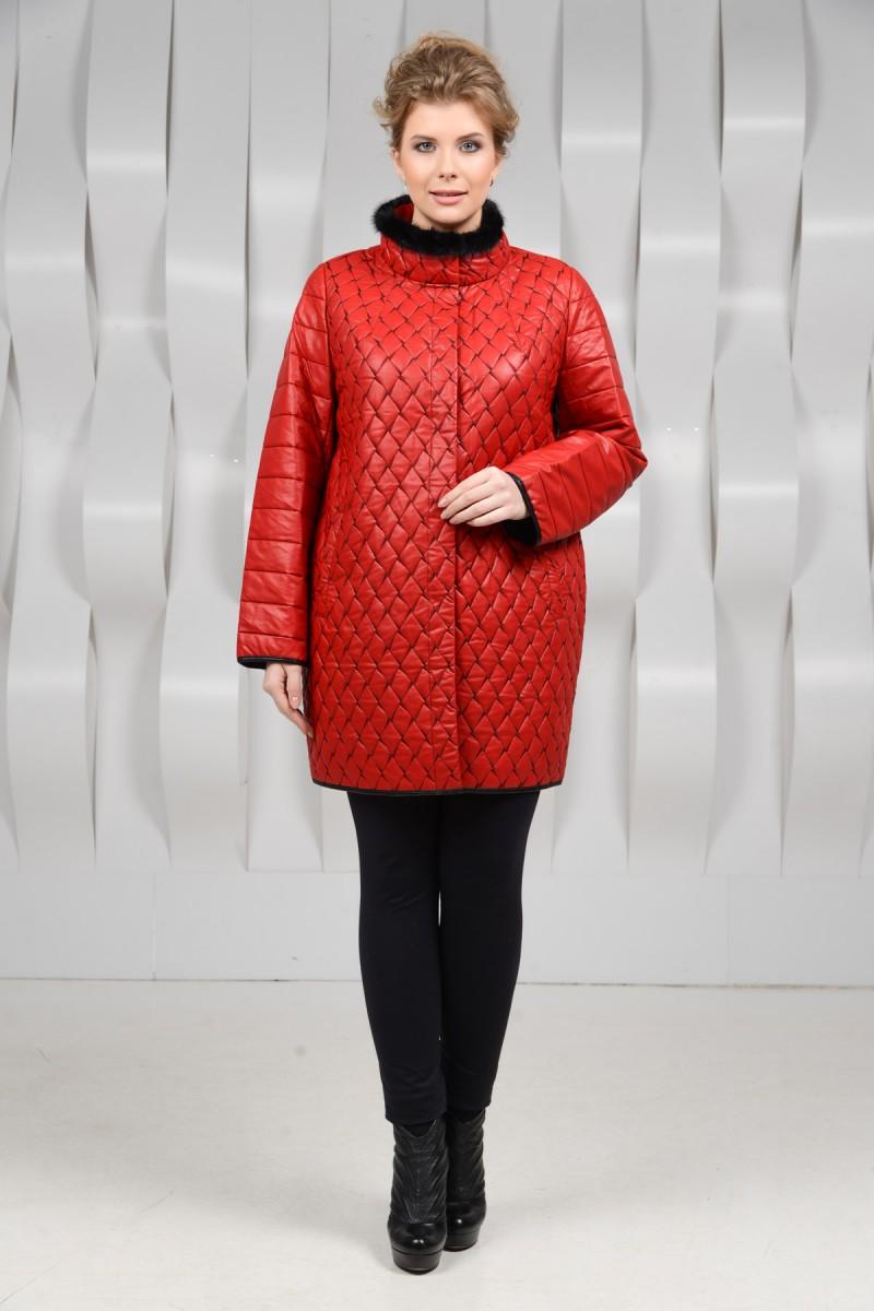 Красный плащ для женщин.