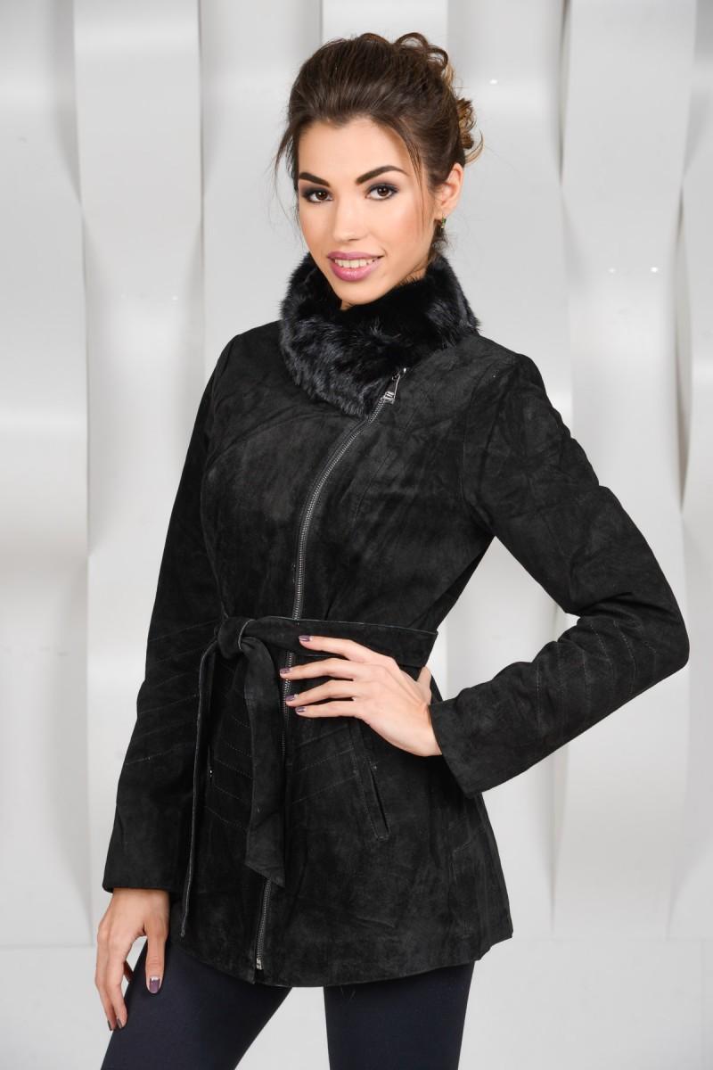 Чёрная куртка из замши