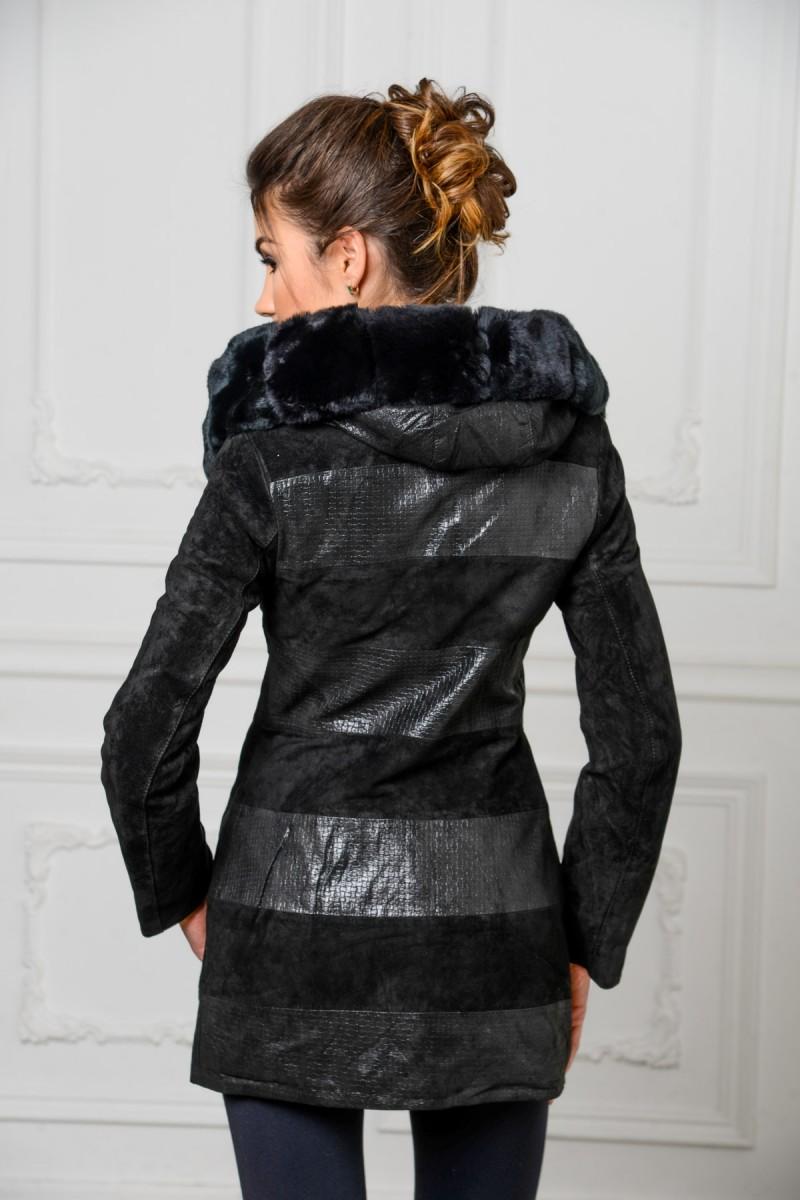 Осенне- весенняя куртка из замши