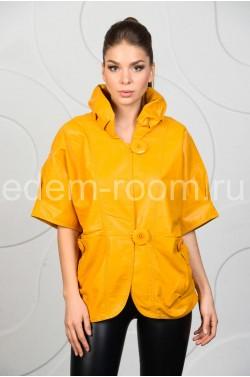 Весенняя жёлтая куртка