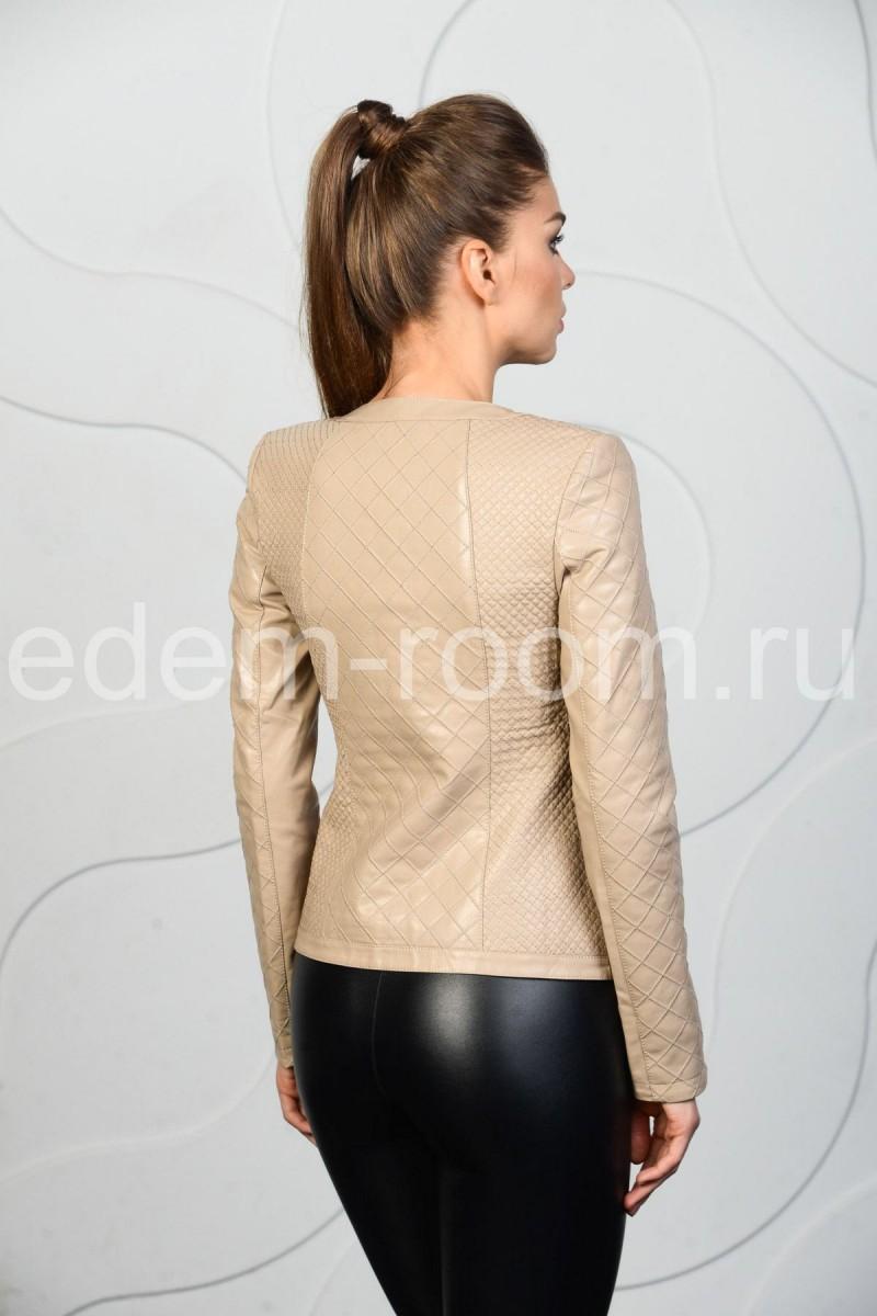 Весенняя куртка из эко-кожи