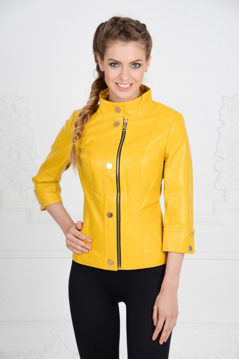 Жёлтая весенняя куртка