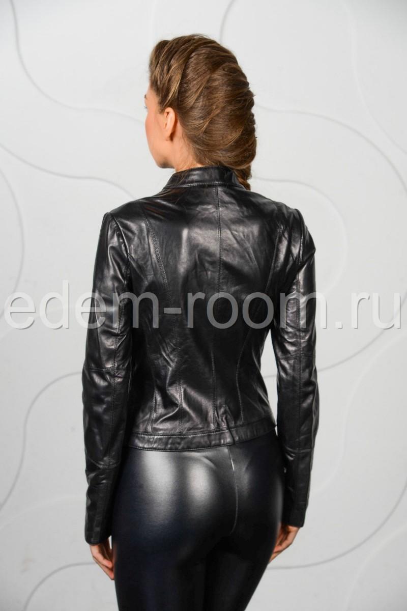 Женская куртка кожаная на весну