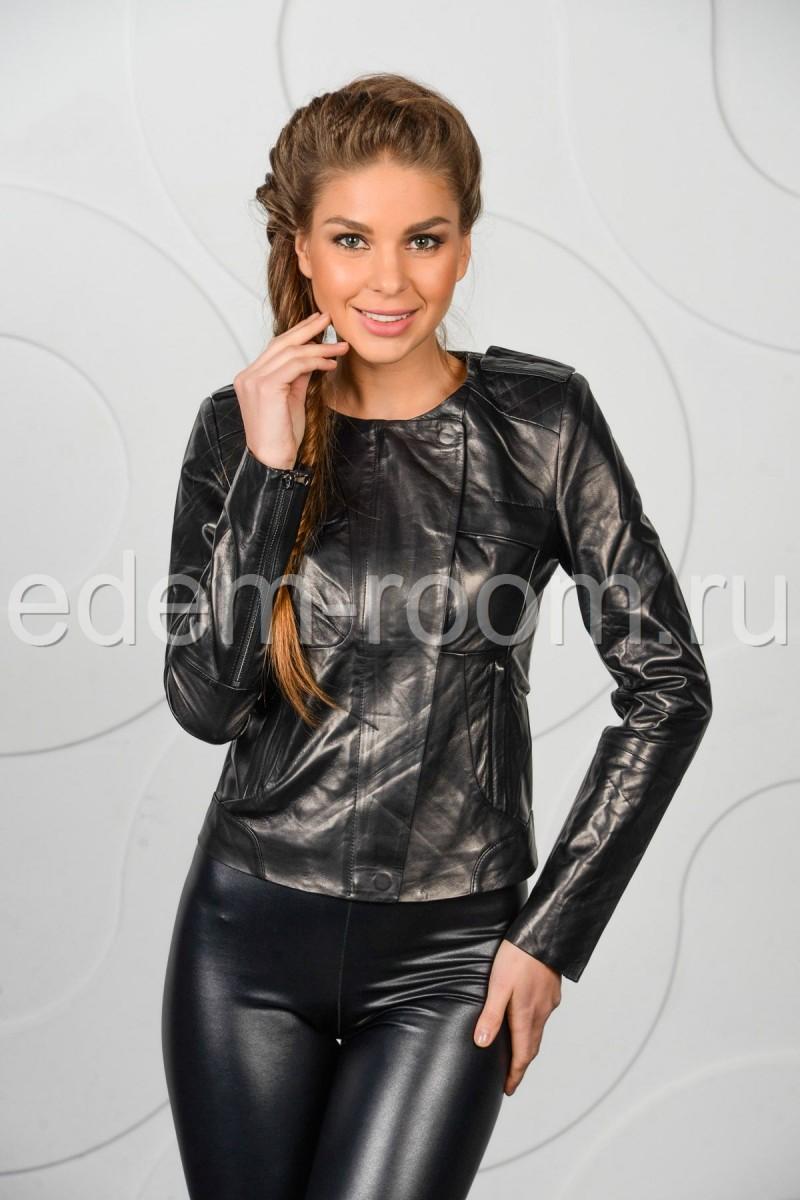 Молодёжная женская кожаная куртка весенняя