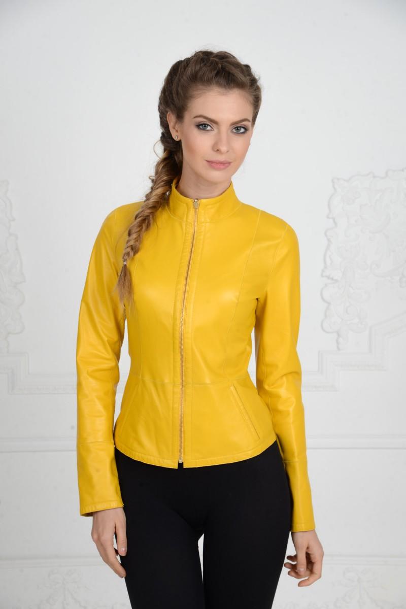 Жёлтая кожаная куртка