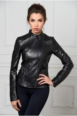Стильная куртка из натуральной кожи