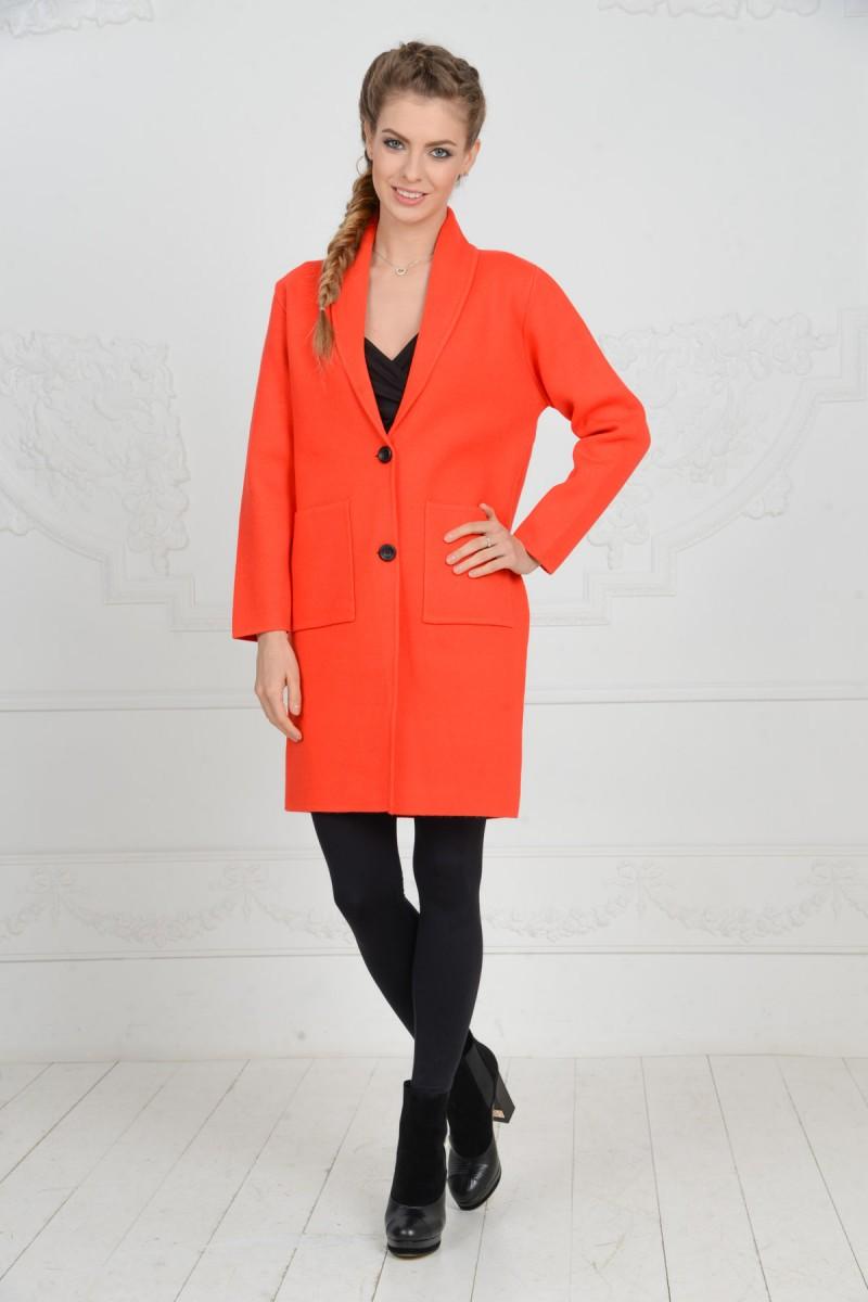 Трикатажное пальто для весны